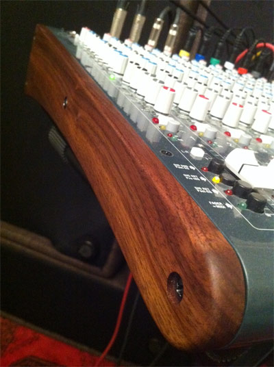 marco-walnut-R16-panels-by-mixingtable