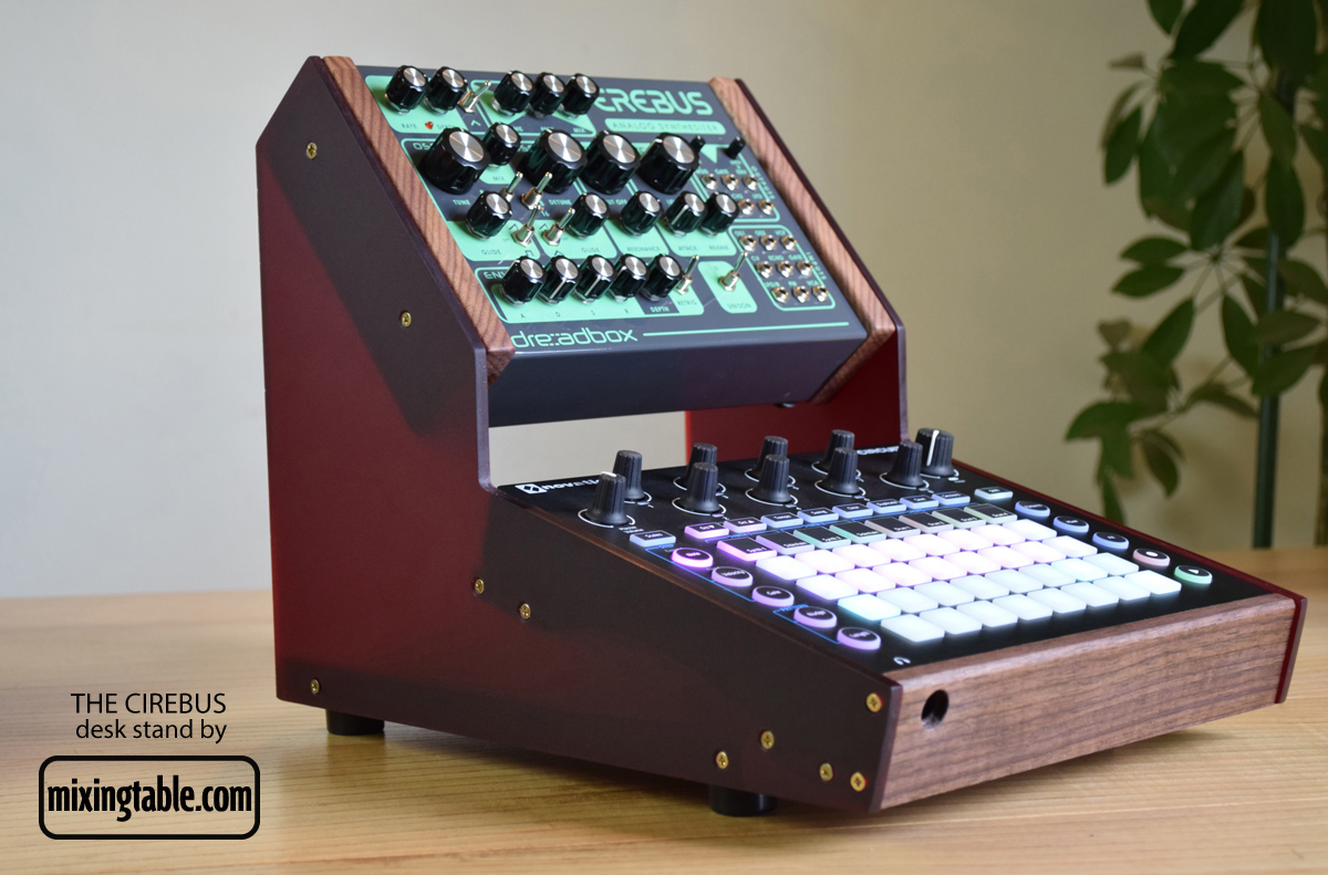 Novabox-Cirebus-stand-by-mixingtable3