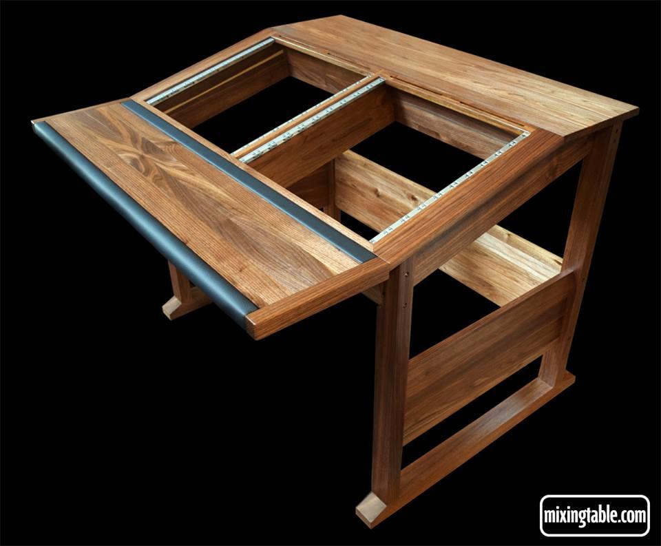20U walnut producer desk by mixingtable