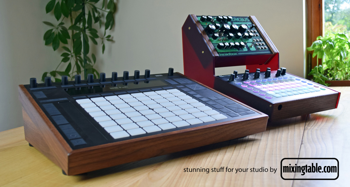Novabox-Cirebus-and-Push-stands-by-mixingtable