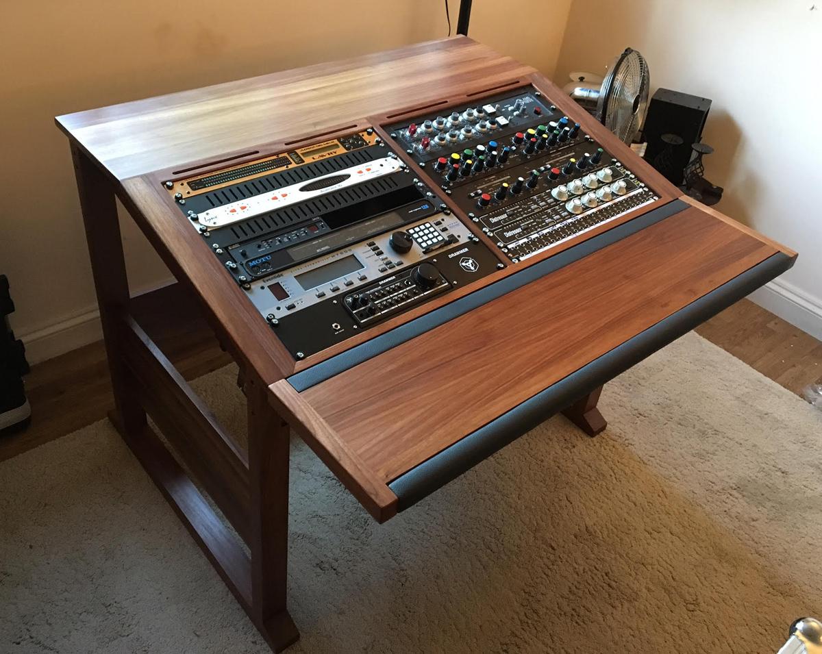 20u-producer-desk-edward-web
