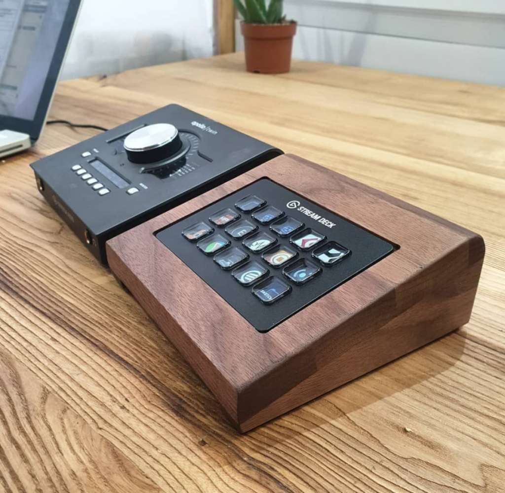Stream Deck desk stand by mixingtable